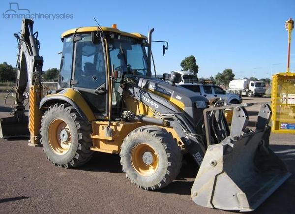 Used Volvo Equipment & Parts Side Shift 4WD Backhoe Loaders