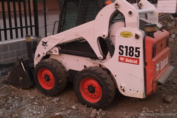 Bobcat T590 Specs