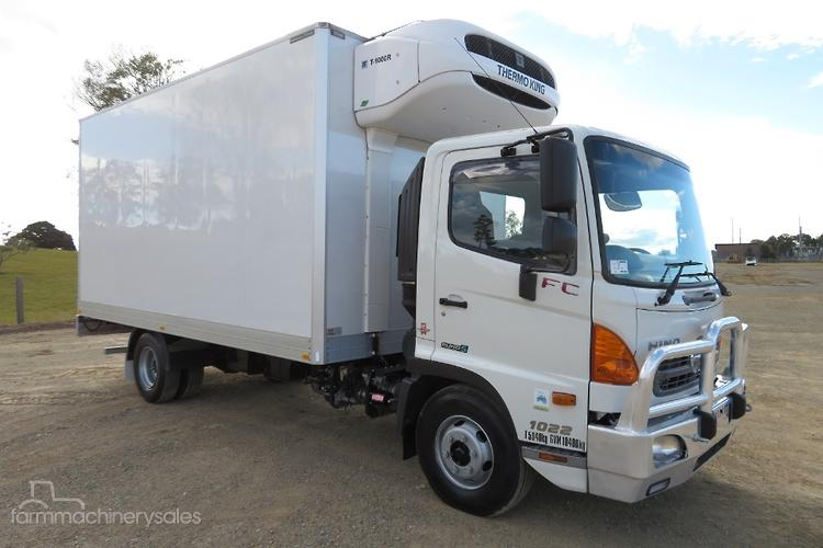Hino Trucks Refrigerated Truck Search New Used Hino Trucks