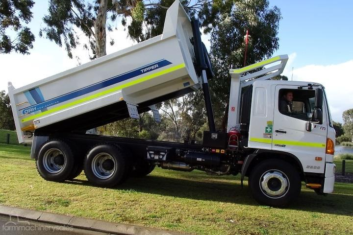 Hino FM 500 Tipper Trucks with Engine Power Under 100hp for Sale in