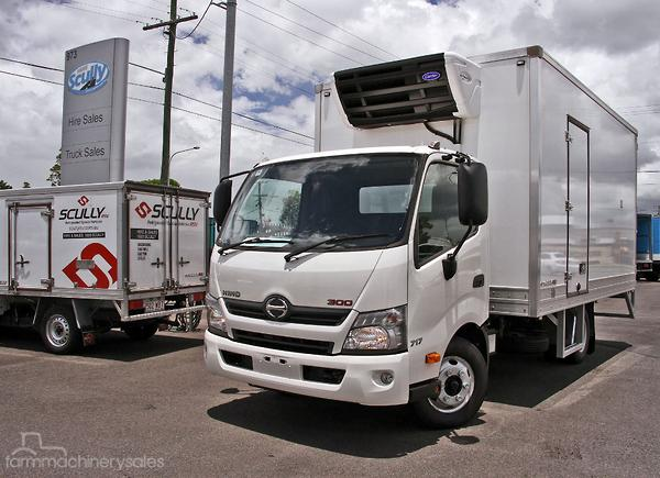 7f34a67b4c 2018 Hino 717 Scully RSV 2 Ton 6 Pallet Thermo Mover Manual Freezer