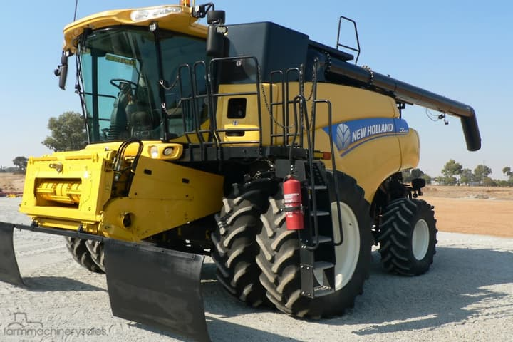 New Holland CR8090 Farm machinery & equipments for Sale in