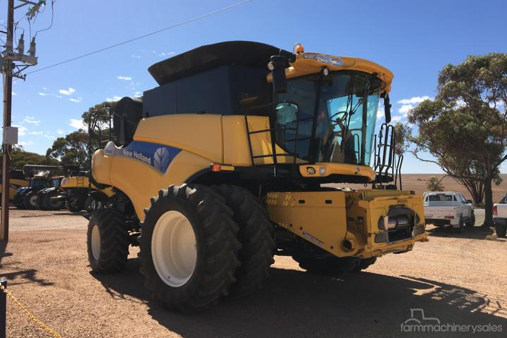 New Holland CR9060 Farm machinery & equipments for Sale in
